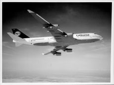 One of Lufthansa's Boeing 747-400 in the air.