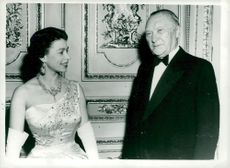 Konrad Adenauer in conversation with Queen Elizabeth II
