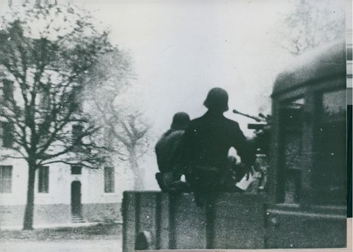 German soldiers to attack in St. Nazaire.