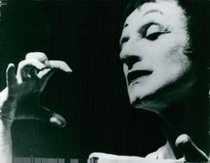 Marcel Marceau acting moment.