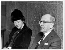 Portrait image of Marjorie Gabor and Professor Dennis Gabor Prize winner of the Nobel Prize in Physics 1971.