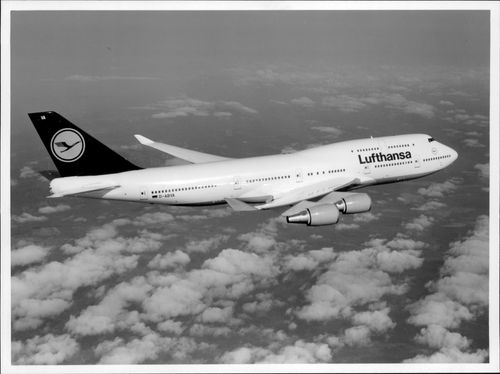 After three months of delay, Lufthansa is flying daily between Hamburg and Frankfurt with the new Boeing 747-400.