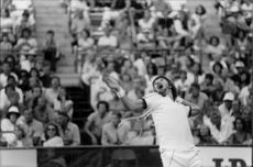 Jimmy Connors in action against John McEnroe in Flushing Meadow