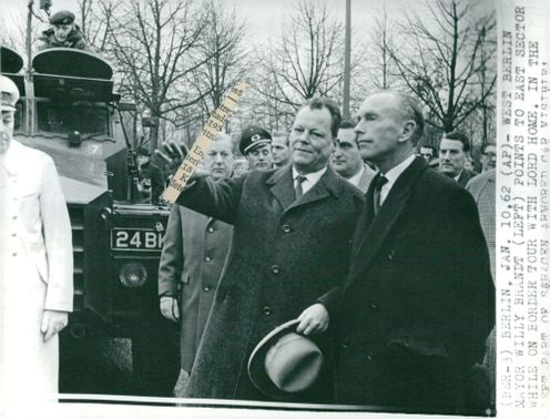 British Foreign Minister Lord Alec Douglas-Home defends the Berlin Wall together with Willy Brandt