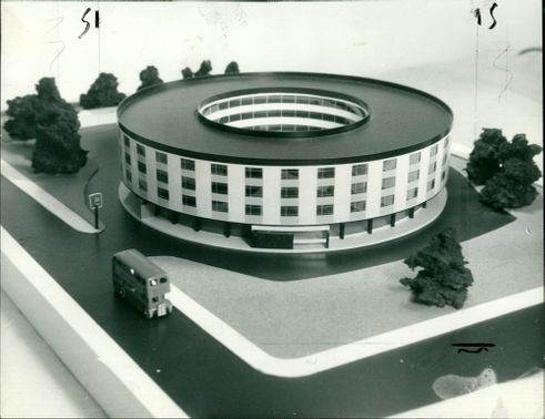 Circular Hotel which is to be build on the bathroad.