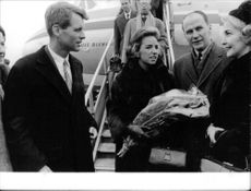 """Robert Francis """"Bobby"""" Kennedy with his wife on their arrival."""