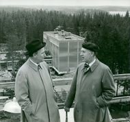 Dir. Hans Frykman, Technical Building Agency, and Professor Hjalmar Granholm, Chalmers, on the roof of the R 2 hall