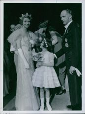 Anders Tengbom and Margaretha Brambeck with their daughter. 1937.