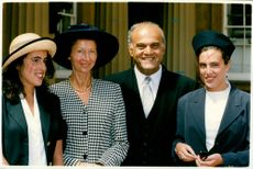 Magdi Yacoub with his wife and daughters.