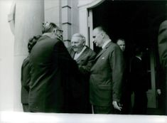 ludvik erhard having conversation with other politicians