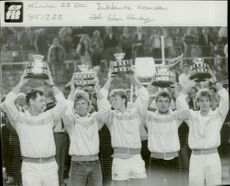 Svenska Davis Cup team after the victory of the final in the Davis Cup in 1985