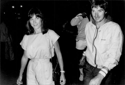 "Jimmy Connors and Mrs. Patti come out of the nightclub ""Heartbreaker"" in New York"