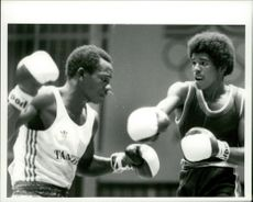 OS in Moscow 1980. Boxing: Lucas Msomba from Tanzania and Elio Diaz from Venezuela