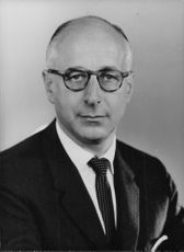 Gerald Abrahams in a portrait.