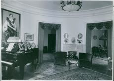 A photo of a room that a couple Brita Hertzberg  and Einar Beyron reside.