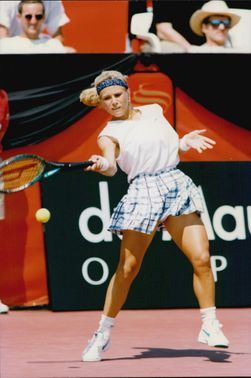 Monica Seles makes comeback on the Canadian Open 1995