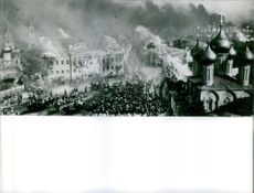 City burning, still from War and Peace (Voyna i mir) 1967.