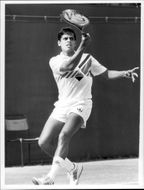Ramesh Krishnan tennis player from India in action at match