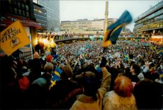 Olympic Games in Lillehammer - Ice Hockey. The Swedish national team is celebrated by the Swedish people on arrival at Sweden and Sergels Torg