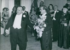 Åke Söderblom congratulated on the 40 Anniversary by Douglas Håge, 1950.