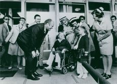 Smiling delightedly, US President Gerald Ford is seen chatting with two young patients at the Institute of Pediatrics in Cracow.  - 1975