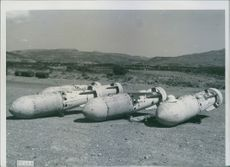 National Institute for Cultural Relations with Foreign Rome - Via Victor N. 2 Photo Service  In aeroport Italian Mediterranean Central: large caliber bombs already ready to be caricates bombers