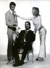 """Rudi Carell, Jaime de Mora y Aragon and Monika Lunid, photographed in connection with the premiere of """"Crazy - Total Verrückt""""."""