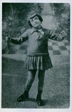 Childhood photo of singer and actress Édith Piaf.