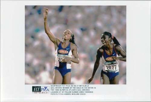 Gail Devers and Gwen Torrence after Gail's 100m win in the Atlanta Olympic Games in 1996