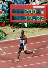 Michael Johnson wins gold medal in the 200-meter race in the Atlanta Olympic Games