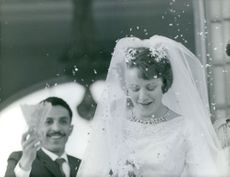 Princess Muna al-Hussein wedding picture.