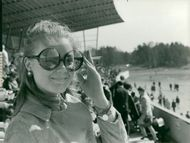 The racetrack. Thérèse Malm follows the race at the spring premier