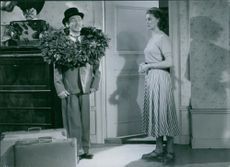 Nils Poppe in a scene from the film Pappa Bom (Daddy Boom), 1949.