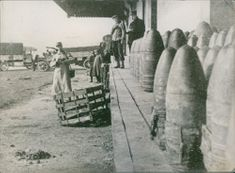 Soldiers looking the missile's during First World War, 1916.
