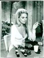 "Dyan Cannon as Lorrie Dellman in ""Doctors Wives"""