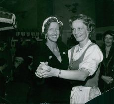 Queen Anne-Marie dancing and enjoying with her sister Margareta Tengbom.