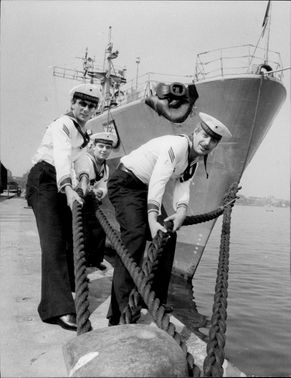 Sailors from the West German hunter Schleswieg-Holstein.