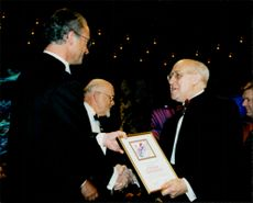 Mstislav Rostropovich receives the Polar Prize from King Carl Gustaf's hand