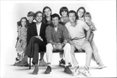 Matthew Modine, Randy Quaid, Paul Reiser, and Eliza Dushku, and other cast of the film Bye Bye Love, 1995.