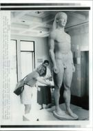 General statuette:two american university students.