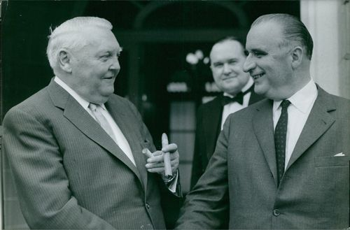 Ludwig Erhard meeting with Georges Pompidou.