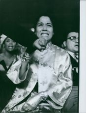 Edna Mae Holly is the second wife of Sugar Ray Robinson.