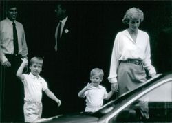 British Royals: Di Checks out Baby Niece 1988