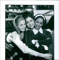 """Alicia Silverstone, Stacey Dash, Brittany Murphy in the movie """"Clueless"""" 1995"""