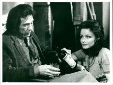 Kate O'Mara and Mike Pratt in the TV series Arvingarna (The Brothers)