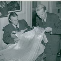 Roberts chiefs Ivan Söderberg and Pelle Ljung typify a tangle of glass wire fiber