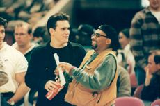 Matt Dillon in a happy conversation with Spike Lee during the Knicks basketball game.