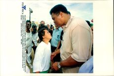 Muhammad Ali met handicapped athletes at Cerro Pelado in Cuba.