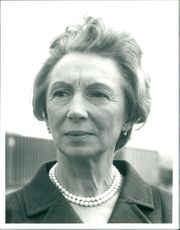 Jean Anderson in the TV series The Brothers