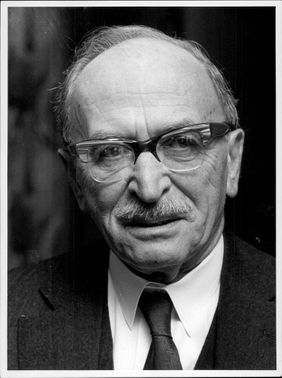 Portrait image of Professor Dennis Gabor, awarded the Nobel Prize in Physics 1971.